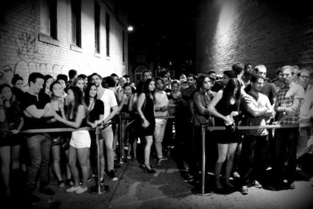 The line-ups outside of Footwork during its final night. Photos by John Mitchell.