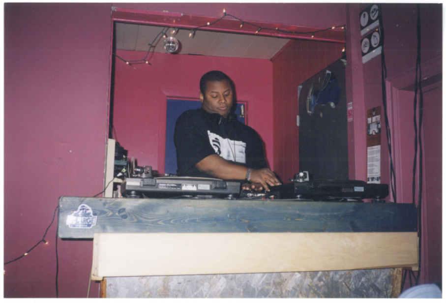 DJ Mike Tull in action at Roxy. Photo courtesy of Kate Cassidy.